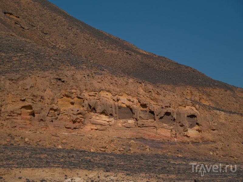 Скалы в Черной пустыне / Фото из Египта