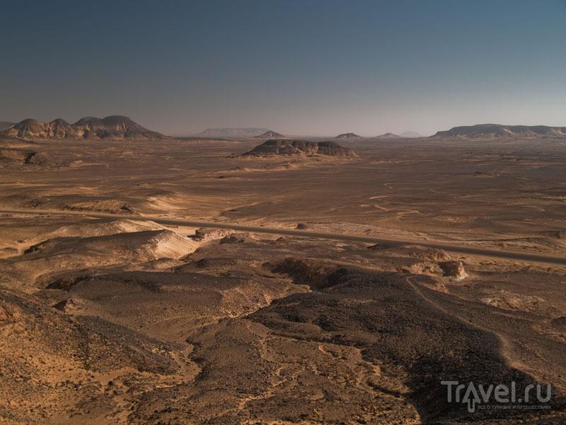 Дорога через Черную пустыню / Фото из Египта