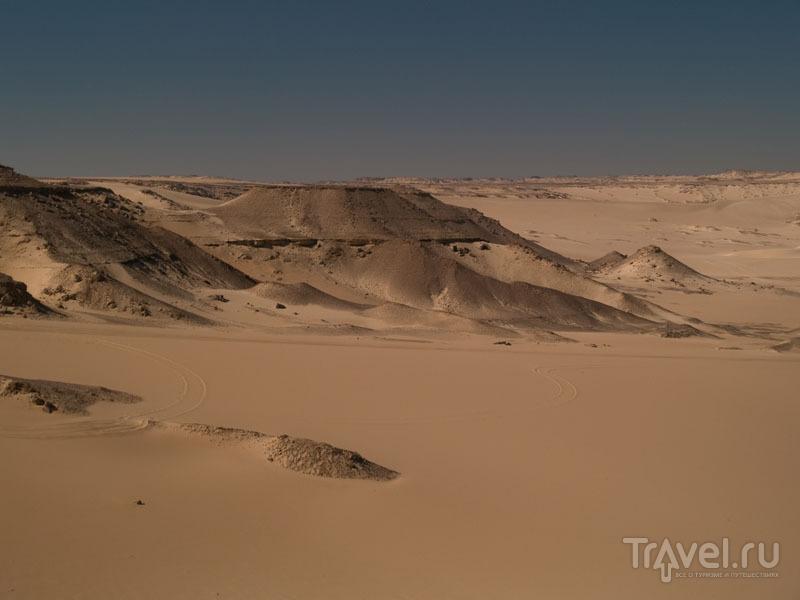 Пейзажи Черной пустыни / Фото из Египта