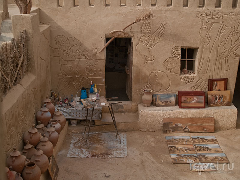Внутренний двор музея и студии Бадра, Фарафра / Фото из Египта