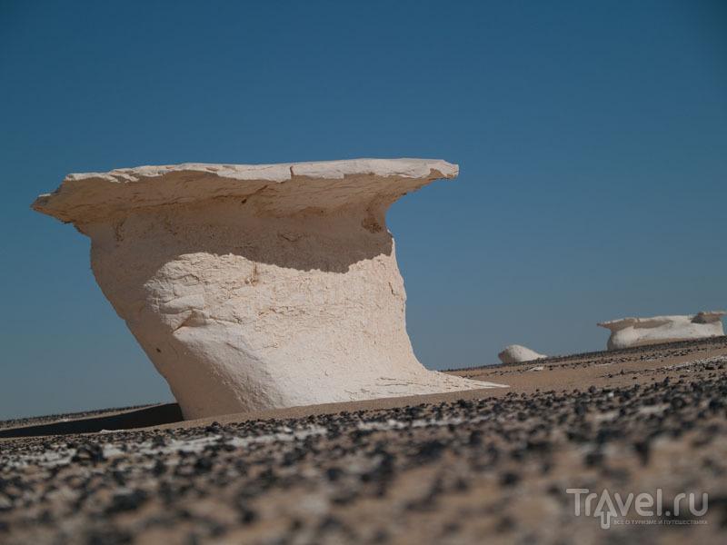 """""""Столики"""" в Белой пустыне / Фото из Египта"""