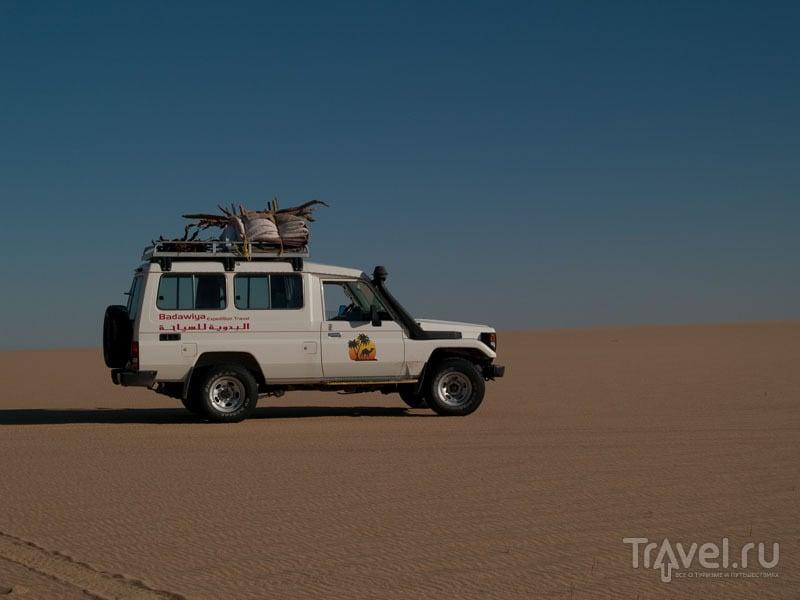 Джип в пустыне Египта / Фото из Египта