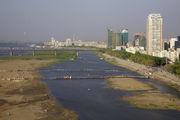 По реке гуляют / Китай