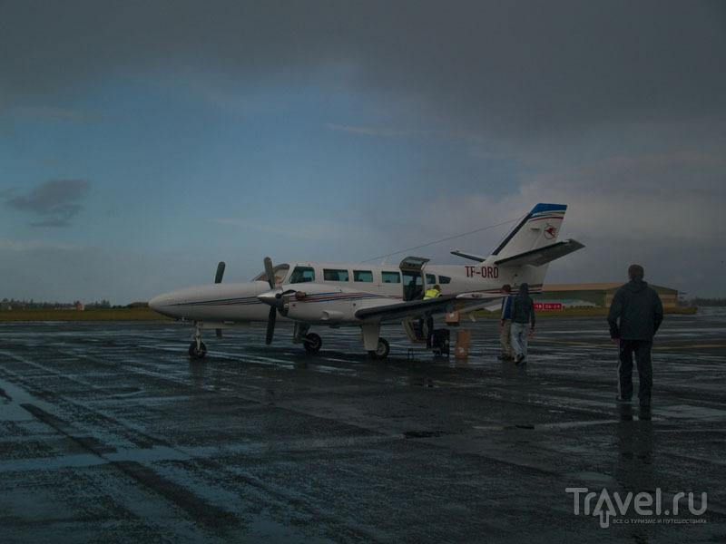 9-местный самолет Eagle Air в аэропорту Рейкьявика / Фото из Исландии