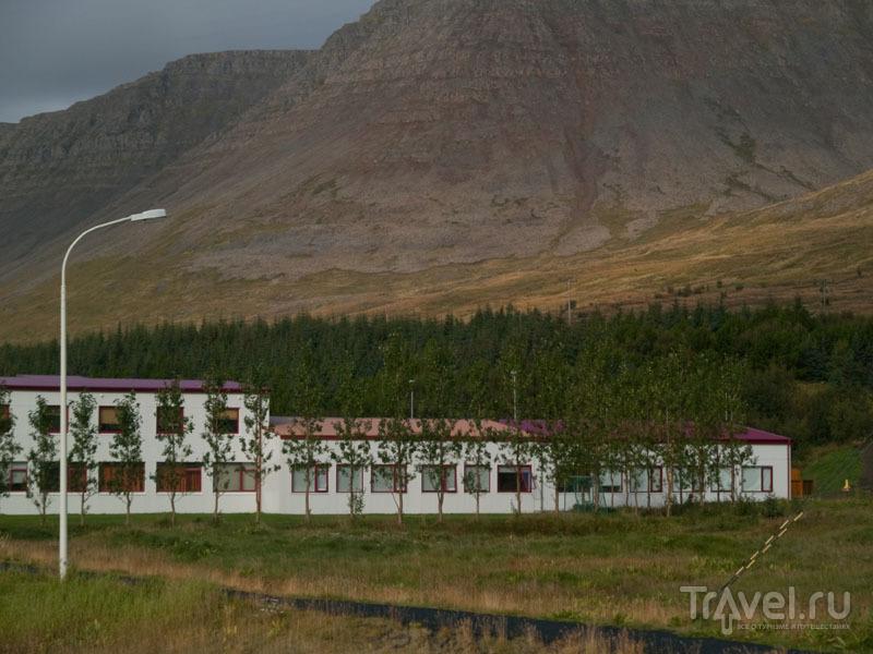 Здание в Талькна-фьорде / Фото из Исландии