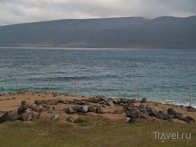 Следы первых исландских поселений на берегах Арна-фьорда / Фото из Исландии
