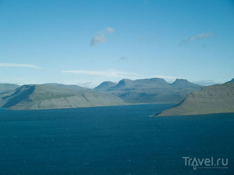 Вид на Западные фьорды из иллюминатора самолета / Фото из Исландии