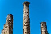 Колонны храма Аполлона / Греция
