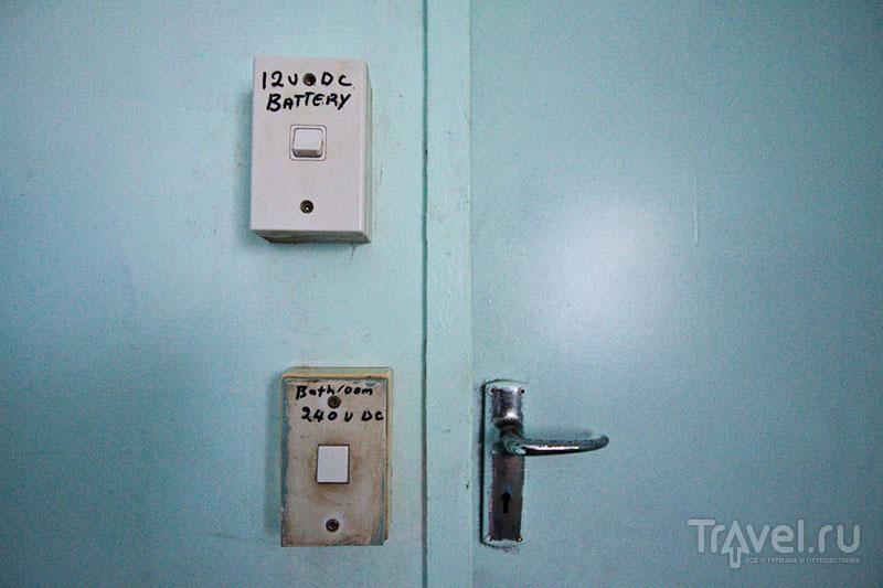 Выключатели на острове Питкэрн / Фото с Питкэрна
