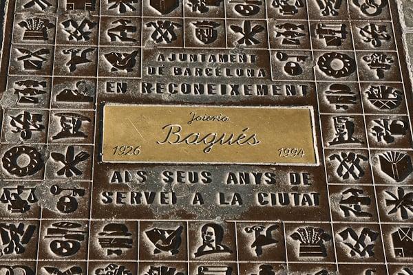 табличка у входа в дом / Испания