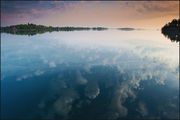 Утренние отражения замка Болдта / Канада