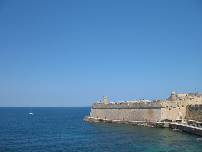 Вид на форт Сент-Элмо, Мальта / Фото с Мальты