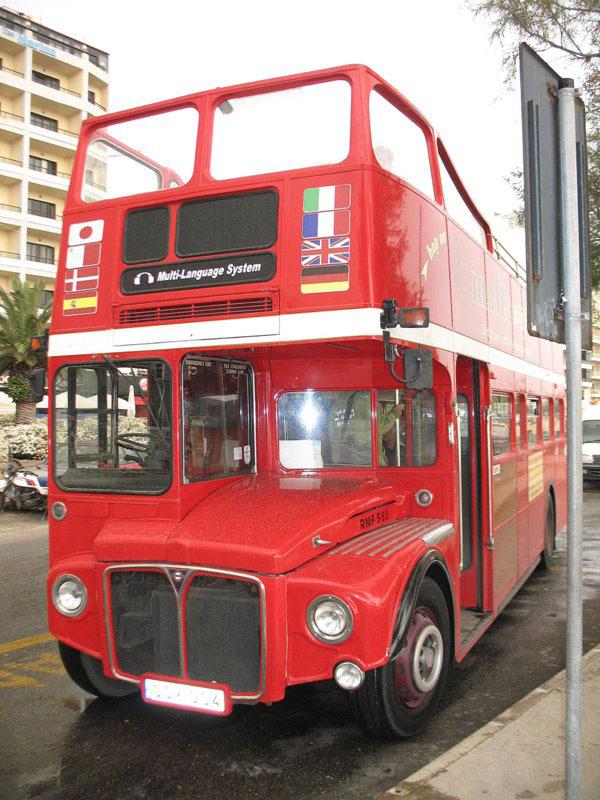 """Туристический автобус, курсирующий по """"южному маршруту"""" / Фото с Мальты"""