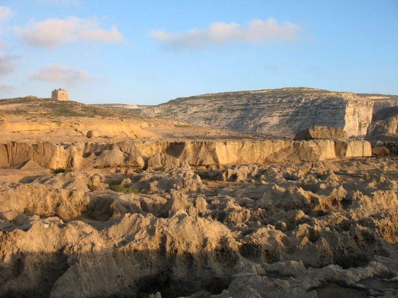 Мальтийский пейзаж со сторожевой башней / Фото с Мальты