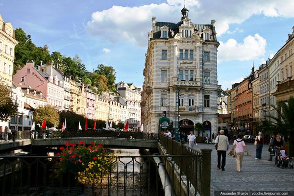 Набережная в Карловых Варах / Фото из Чехии