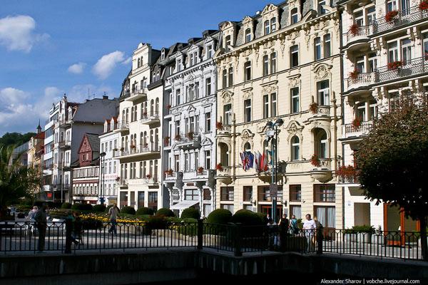 Улица в Карловых Варах / Фото из Чехии
