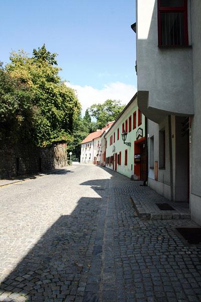 Брусчатая улица в городе Чески-Крумлов / Фото из Чехии