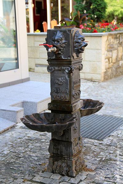 Водонапорная колонка в городе Теплице / Фото из Чехии