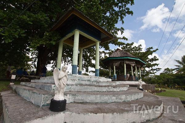 Статуи ангелов на Самоа / Фото с Западного Самоа