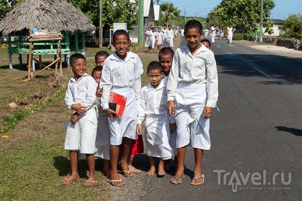 Самоанцы идут в церковь / Фото с Западного Самоа