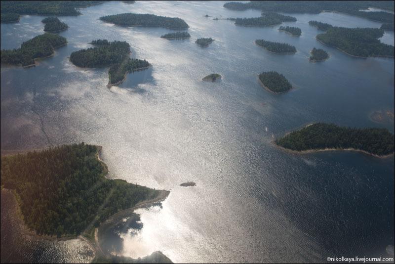 Вид на архипелаг Соловки с самолета / Фото из России