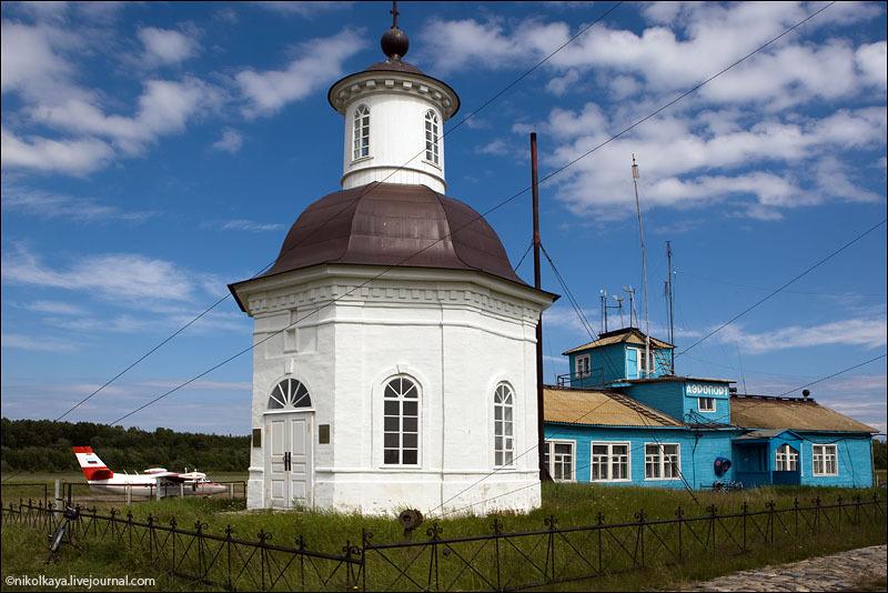 Часовня у аэропорта на Большом Соловецком острове / Фото из России
