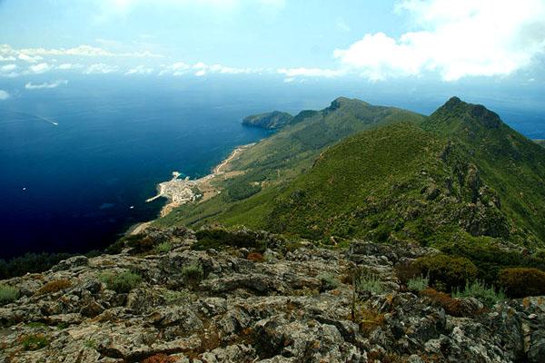 Вид на остров Мареттимо с горы Фальконе / Фото из Италии