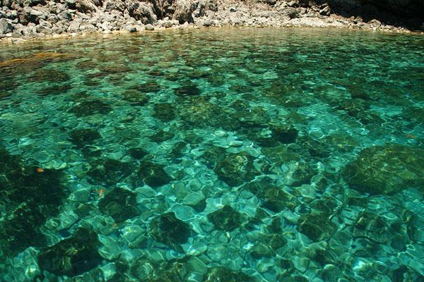 Вода у побережья острова Пантеллерия / Фото из Италии