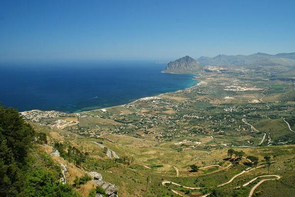 Вид из Эриче на Monte Cofano / Фото из Италии