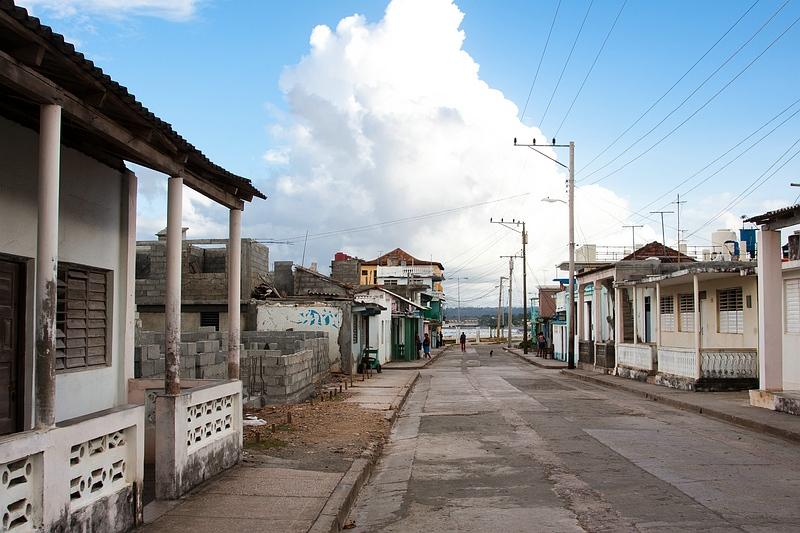 На улице Баракоа / Фото с Кубы