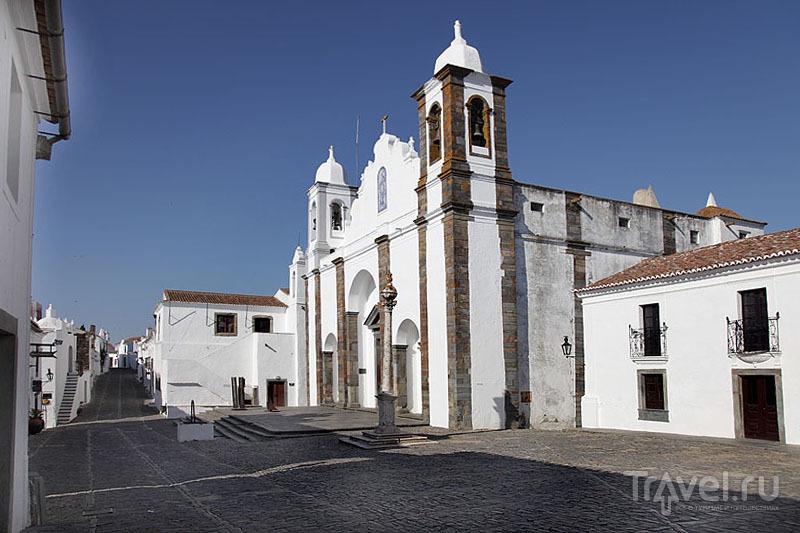 Центральная площадь в Монсараше / Фото из Португалии