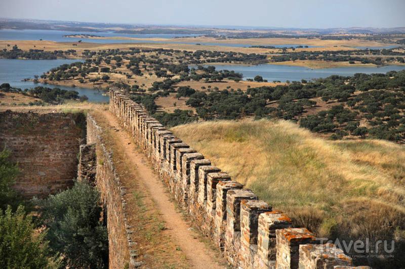 Стены крепости в Моране / Фото из Португалии