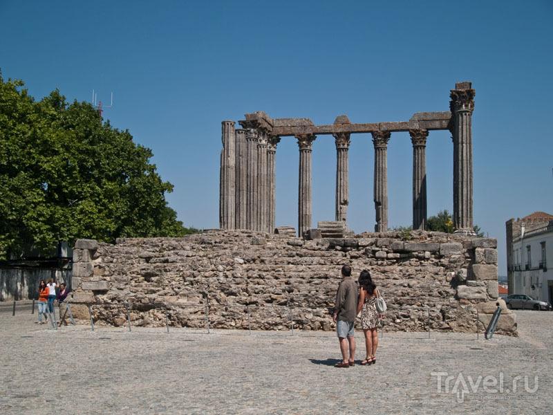 Храм богини Дианы, Эвора / Фото из Португалии
