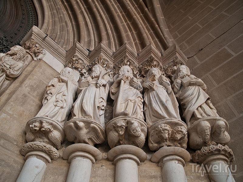 Парадный вход в кафедральный собор, Эвора / Фото из Португалии