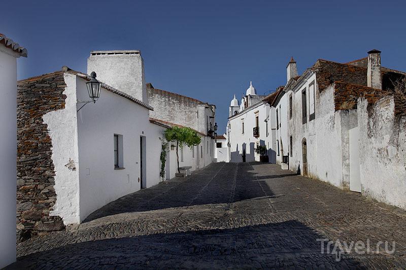 Белоснежный и безлюдный Монсараш / Фото из Португалии