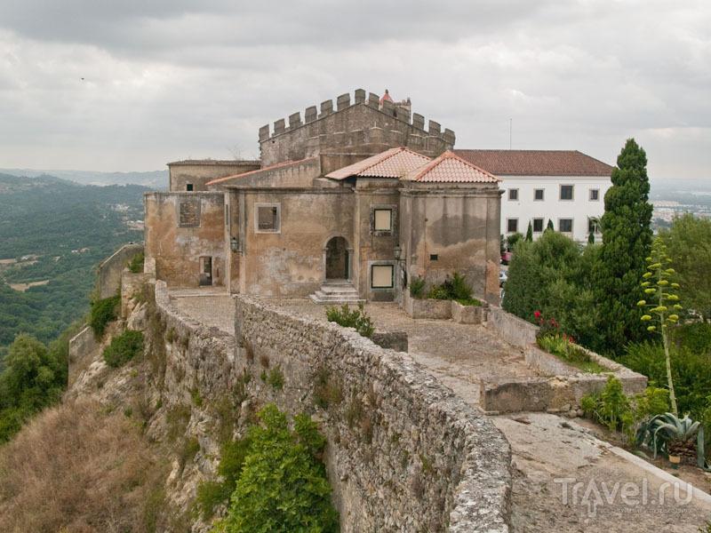 Церковь и поузада в замке Палмелы / Фото из Португалии