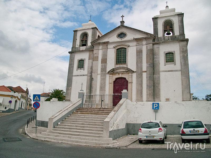 Церковь в центре Палмелы / Фото из Португалии