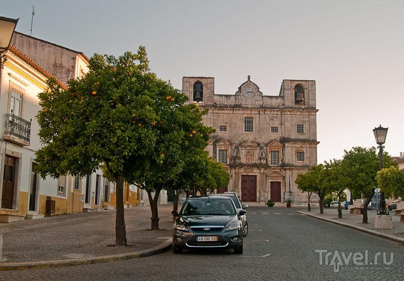 Мраморная церковь на площади Республики, Вила-Висоза / Фото из Португалии