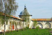 монастырская стена / Россия