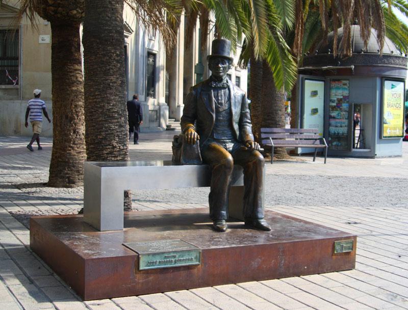 Памятник Г.Х. Андерсену в Малаге, Испания / Фото из Испании