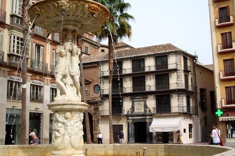 На площади в Малаге, Испания / Фото из Испании