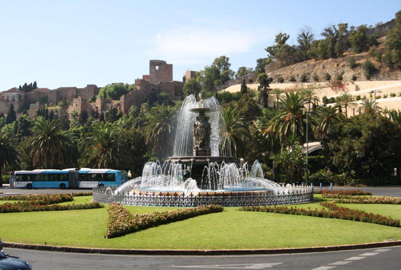 Фонтан в Малаге, Испания / Фото из Испании