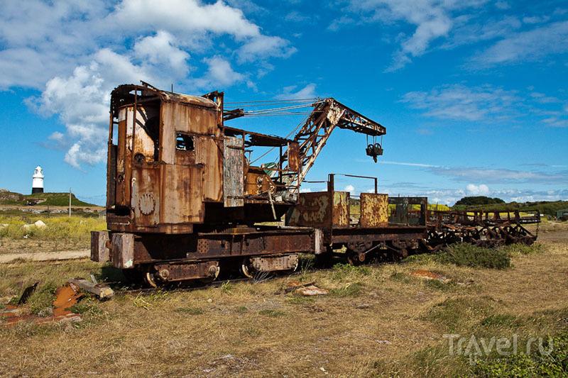 Заброшенный железнодорожный кран на острове Олдерни / Фото из Великобритании