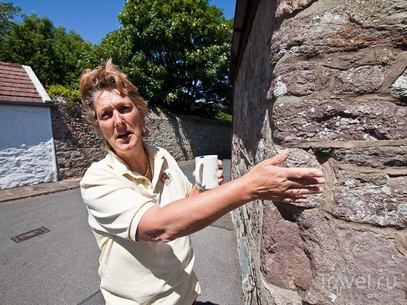 Избирательница с острова Олдерни / Фото из Великобритании