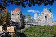 Руины замка / Латвия