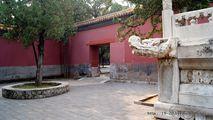 Отреставрированная гробница / Китай