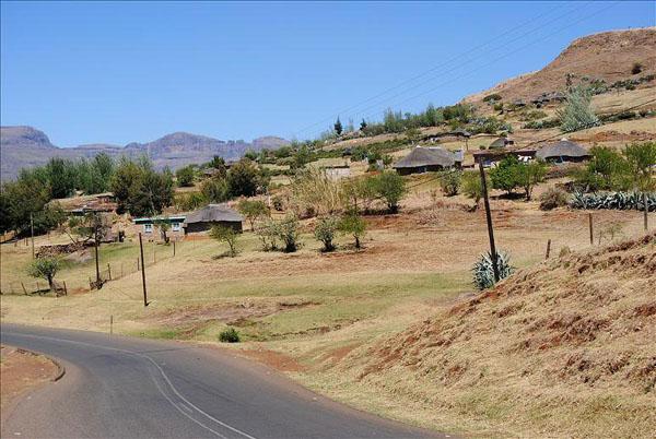 Сельская дорога в Лесото / Фото из Лесото