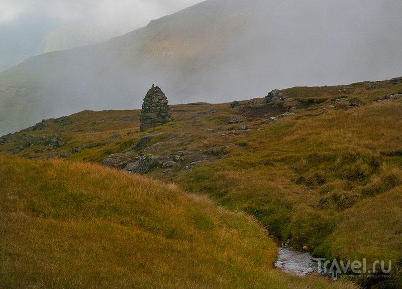 Груда камней - разметка маршрута на Фарерах / Фото с Фарерских островов