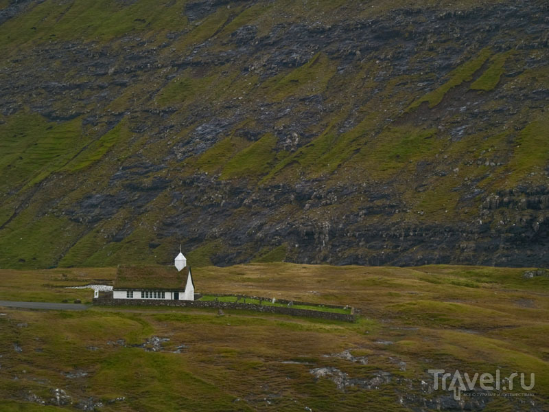 Очень старая церковь в Саксуне / Фото с Фарерских островов