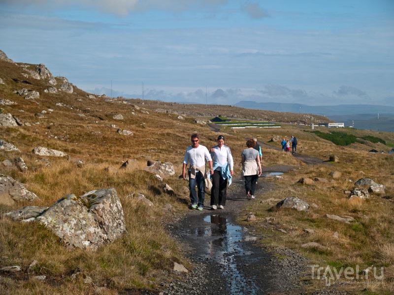 Местные жители прогуливаются вокруг Торсхавна / Фото с Фарерских островов